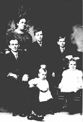 Elvey Family ; 16-361