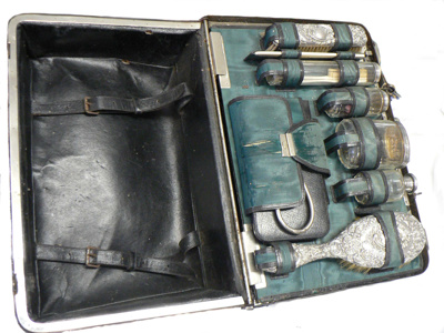 Travelling Case; 144