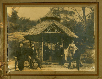 No.15 Hot Spring, Te Aroha, with people, c1910, 03