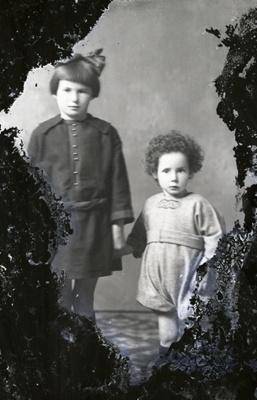 Two children; 554