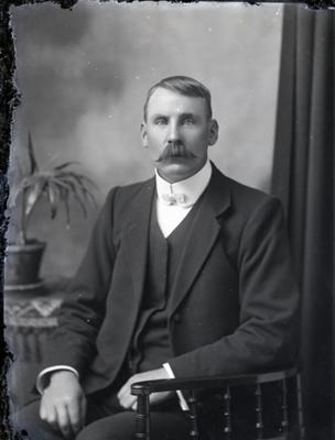 Male portrait; 32