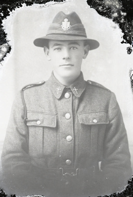 World War One soldier; 688