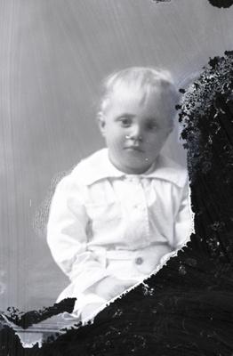 Child portrait; 536