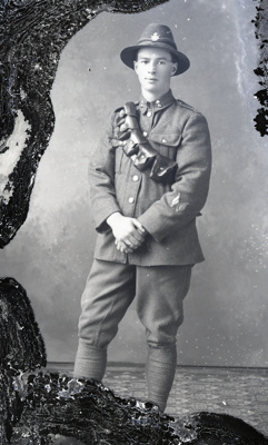World War One soldier; 521