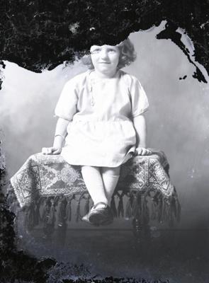 Girl portrait; 562