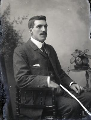 Male portrait; 33