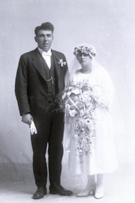 Reid Murdoch wedding couple; 329