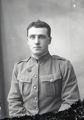 World War One soldier; 325