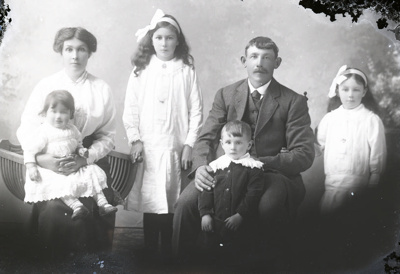Family group photograph; 405
