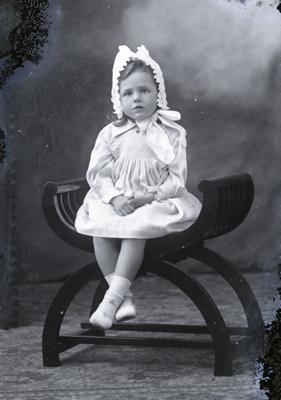 Girl portrait; 575