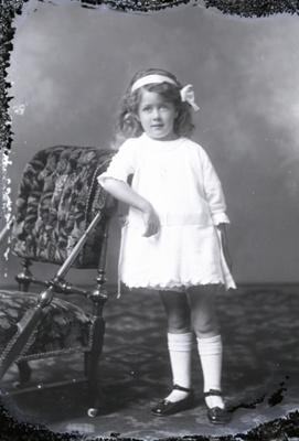 Girl portrait; 570