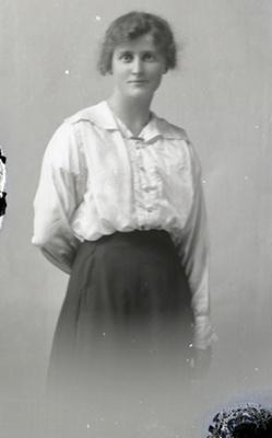 Female portrait; 758