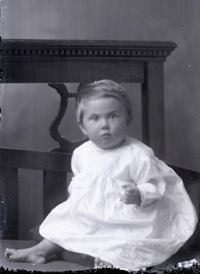 Baby portrait; 604