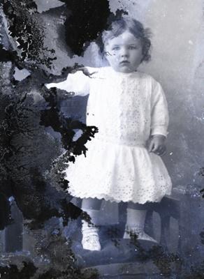 Girl portrait; 722