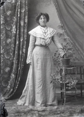Female portrait; 775