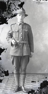 World War One soldier; 477
