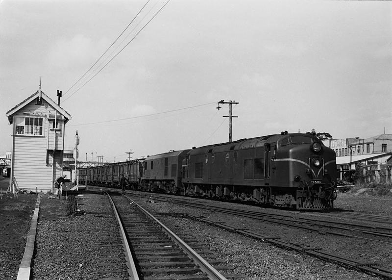Diesel engines Df 1508 and Dg 789 with freight train ...