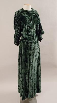 Dress; Circa 1940; 1997.114