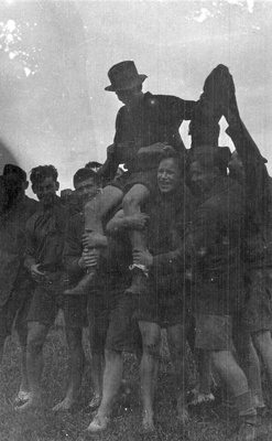 New Zealand Flying School trainees at Kohimarama 1915.; Unidentified; 10-0909