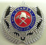Badge [Thames New Zealand Fire Service]; F667.26.2002