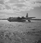 TEAL flying boat taxying; Hajo Topzand; 08/102/318