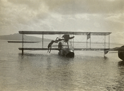 "Black and white photograph of Curtiss ""C"" flying boat from the Walsh Brothers Flying School; 1916-1920; 04/071/089"