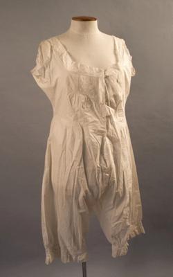 Underwear [Combination Underwear]; Circa 1900; 1969.364.4