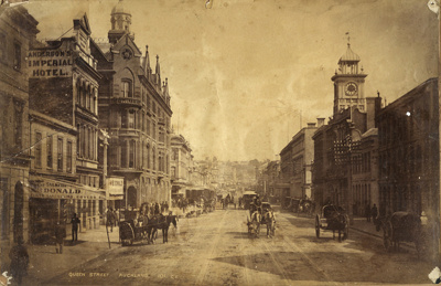 Photograph of Queen St, Auckland; Unidentified; 13-1183