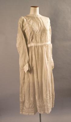 Dress; Circa 1900; 2012.668