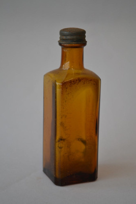 Bottle [Renco]; Renco New Zealand (New Zealand, estab. 1916); 2015.120