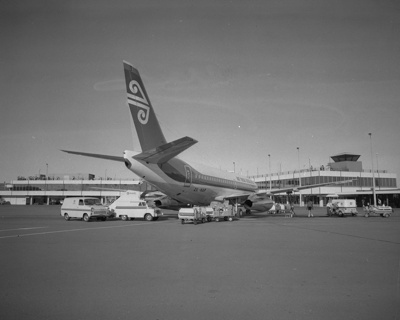 Air New Zealand Boeing 737; Mannering and Associates Limited; 08/117/1796