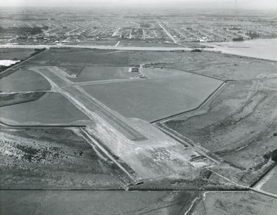 Invercargill Airport; Whites Aviation Limited; Nov 1956; 14-6458