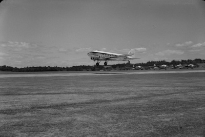 Photograph of RNZAF VIP DC3; Les Downey; 1953; 14-4172