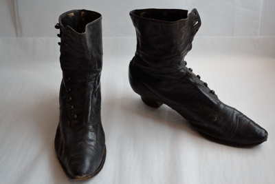 Boots; 2010.981