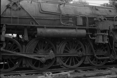 Photograph of locomotive J 1236; Les Downey; 1972-1976; 14-1040