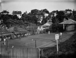 Club tennis court; Unidentified; 1930s; 13-2137