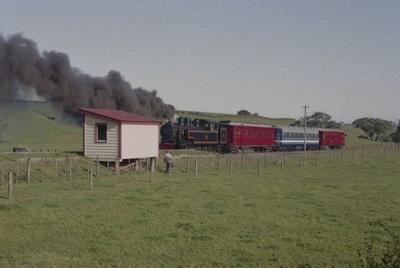 Photograph of Glenbrook fun train; Les Downey; 1985?; 14-4802