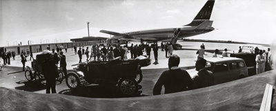 Air New Zealand DC8 at the opening of Mangere; Unknown Photographer; 24 Nov 1965; 14-6061