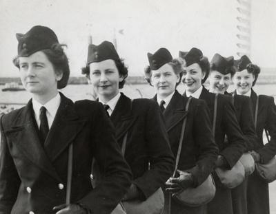 TEAL Stewardesses; Unknown Photographer; 19 Aug 1946; 15-0139