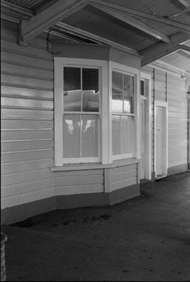 Photograph of Paeroa railway station; Les Downey; 1972-1976; 14-2135