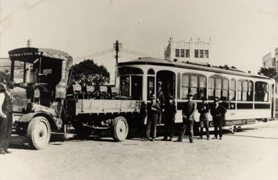[Tram no. 194 being towed by a Winstone truck]; Unknown Photographer; [1902-1956]; PHO-2017-5.32