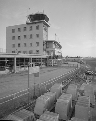 Christchurch Airport; Mannering and Associates Limited; 1960s; 08/117/952