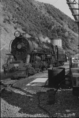 Photograph of locomotive J 1211; Les Downey; 1976; 14-2422