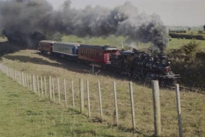 Photograph of Glenbrook fun train; Les Downey; 1985?; 14-4799