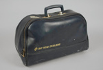 Flight Bag [Air New Zealand]; Air New Zealand Limited (New Zealand, estab. 1965); 1999.14