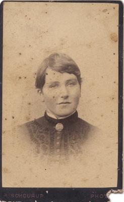 Photograph of a woman; P. Schourup; 13-1062