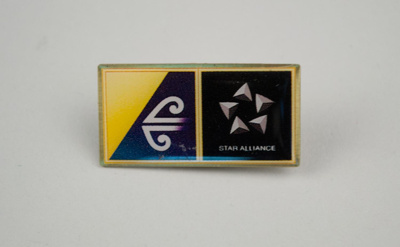 Badge [Star Alliance/Air New Zealand]; Star Alliance (estab. 1997); Air New Zealand Limited (New Zealand, estab. 1965); 2003.467