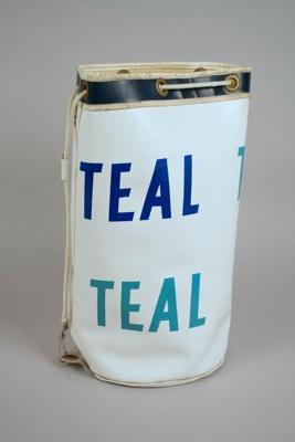 Drawstring Bag [TEAL]; Tasman Empire Airways Limited (New Zealand, estab. 1940, closed 1965); 2004.512