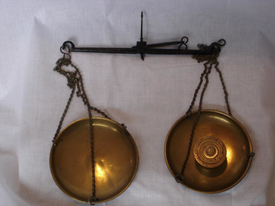 Hand held scales, 19th Century, 2785.91