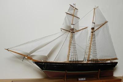 Model clipper/schooner 'Gazelle', 21st Century, 1999/24